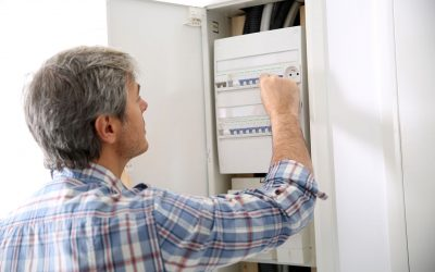 6 Signs That You Have an Electrical Problem at Home